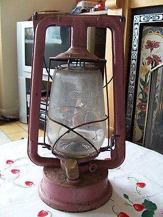 Hurricane lamp